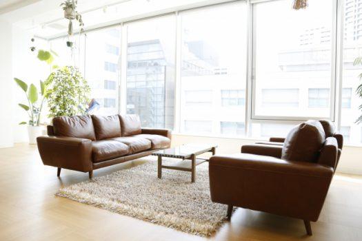 合皮のソファの特徴とお手入れ方法
